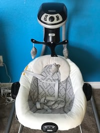 Baby's white and gray cradle n swing Castroville, 95012