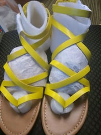 Yellow summer sandals size 8.5 brand new New Hope