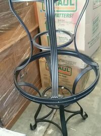 2 End tables with glass Council Bluffs, 51503