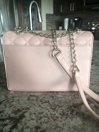 Guess purse Stony Plain, T7Z 1L8