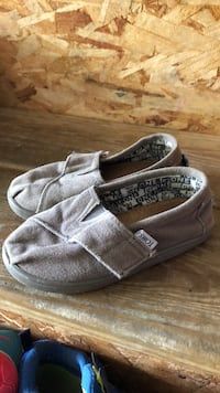 TOMS Toddler Size 8 Shoes Haverhill, 01832