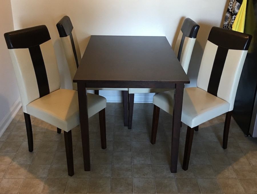letgo Tiffany dining room table and chairs in Tarawa NC : bf55aed96ad1977795c8c0e6537eaf96 from us.letgo.com size 900 x 679 jpeg 97kB