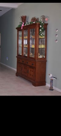 China Cabinet Hutch with Lighting in Excellent Condition! Won't Last!! North Fort Myers