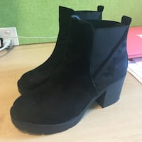 Size 38 booties. Super cute  Redfern, 2016