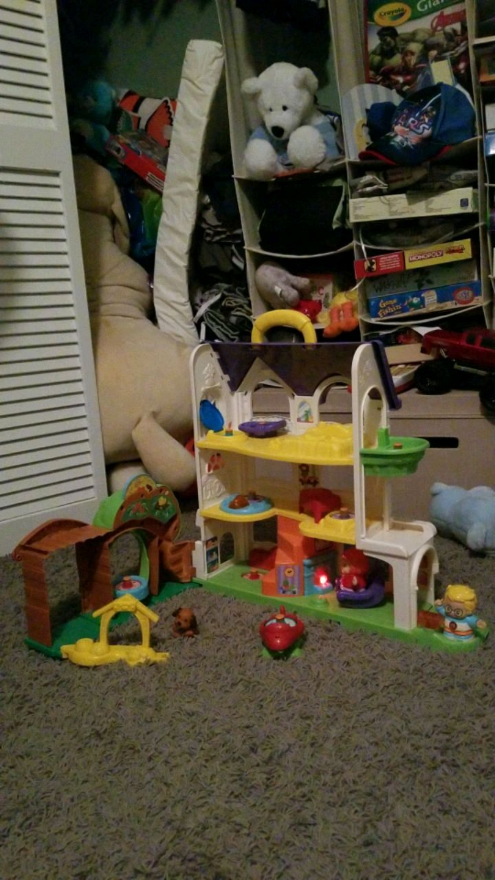 Photo Go Go Smart Friends house by Vtech