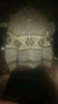 Authentic knitted native gloves toque and jacket