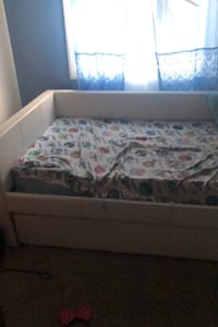 Twin bed with pull out bed Silver Spring, 20906