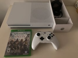 XBOX ONE S 1TB Console with controller & 1game LIKE NEW $275