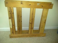 Wooden twin bed frame Hagerstown, 21740