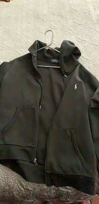 Polo zip up Size Large  Vaughan, L4L 9J4