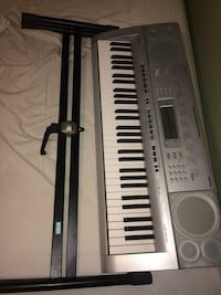 Casio Keyboard & Stand. Mission, V4S