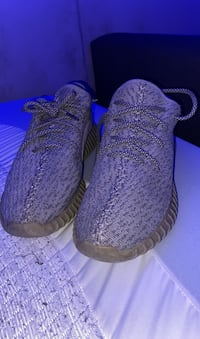 DS Moonrock yeezys Richmond, V7A 2K6