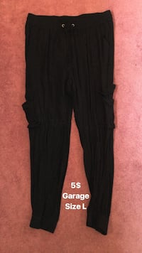 black and red Adidas sweatpants Russell, K4R 1B7