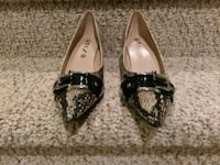New Size 8 Unisa Kitten Heels (low)