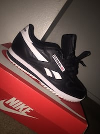 pair of black-and-white Reebok sneakers Palmdale, 93550