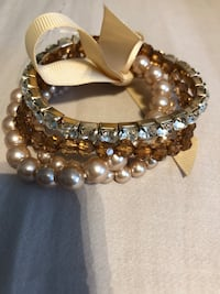 Four bracelets, costume jewelry  Mississauga, L5J 1W2