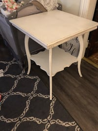 White washed table Hagerstown, 21740