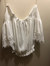 White off the shoulder top Kitchener, N2N 2G4