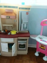 white and pink kitchen playset 39 km