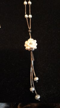 Beautiful pearl and silver necklace  Vancouver, V6H 1S7