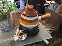 Brown and white fondues pot complete