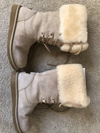UGG boots: Montclair, Sand Suede, Size5 Silver Spring, 20906