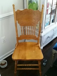 Set of 4 Windsor shaker type chairs Ashburn, 20148