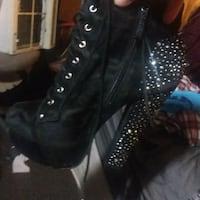 pair of black leather heeled boots Windsor, N8W 2M2
