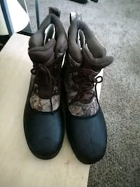 pair of black leather boots Englewood, 80112