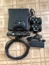 Xbox 360 with Kinect a dozen games and controllers Brookfield, 60513
