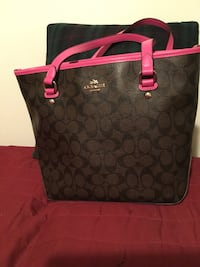 Reduced Price Like New Authentic Coach Purse  Xenia, 45385