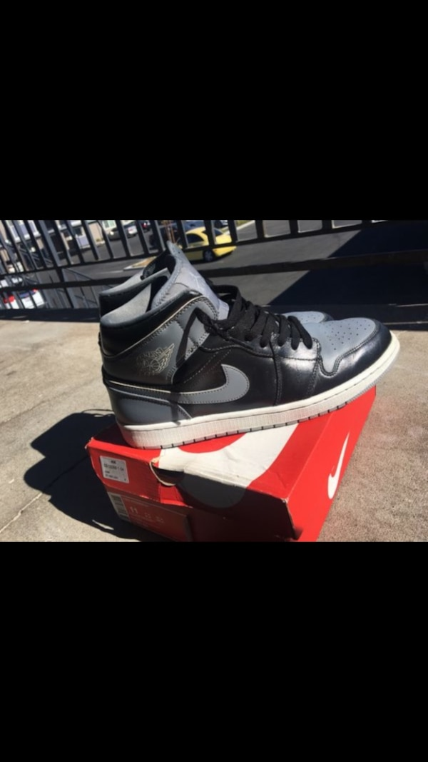af468c8e3930 Used unpaired black and white Nike Air Jordan 1 shoe for sale in ...