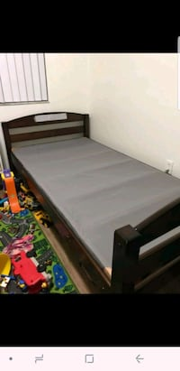 black and white wooden bed frame Miami Beach, 33139