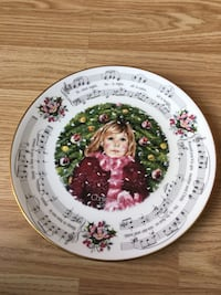 ROYAL DOULTON  Christmas Carols Plate Brampton, L6S 4B3