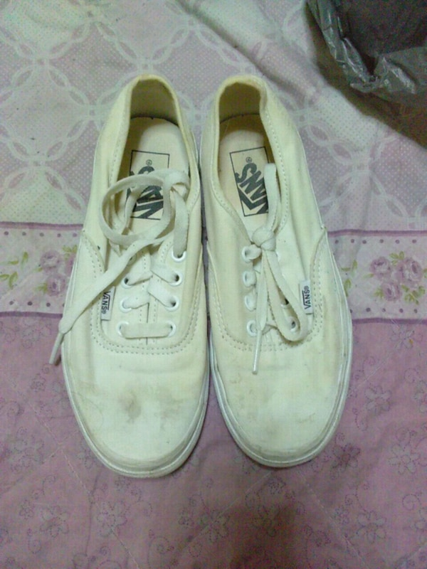 Used White VANS SNEAKERS for sale in Bronx - letgo b1854dc28
