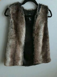 Fur vest Saint-Laurent, H4T