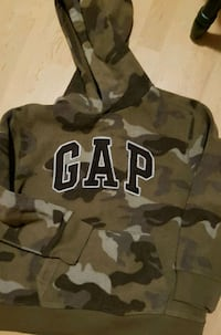 GAP HOODY BIG KID size 10 Cornwall, K6H 2H1