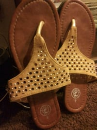 pair of brown leather open-toe heeled sandals 2287 mi