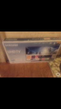 "Samsung 40"" 4K Ultra HD Smart LCD TV Norridge, 60706"