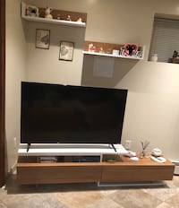 Tv stand with shelfs  null