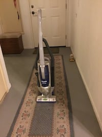 white and blue upright vacuum cleaner Irvine, 92614