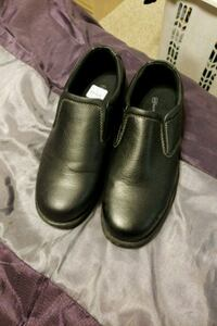 Hunters Bay men size 10 wide shoes