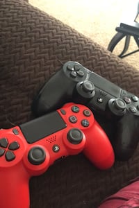PS4 controllers  l Looking to trade for games mainly madden 20 lmk wyg