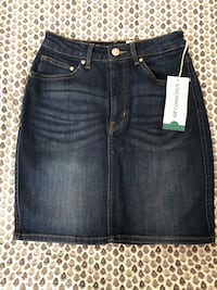 H&M denim skirt size 4 Toronto, M3H