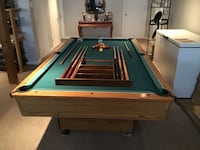 Pool table with equipment Notre-Dame-de-l'Île-Perrot, J7V