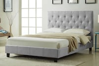 Brand new fabric platform bed in grey on sale  多伦多