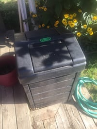 A real great homemade dirt maker New composter bin Toronto, M1L 3W4