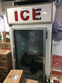 white and black commercial refrigerator Oxon Hill, 20745