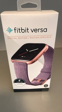 Fit Bit Versa with extra straps