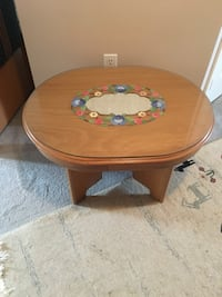 Oval natural wooden coffee table Vaughan, L6A 2N4